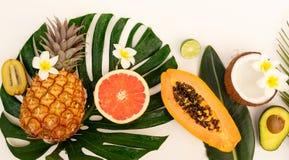 Nya frukter för sommar arkivfoto