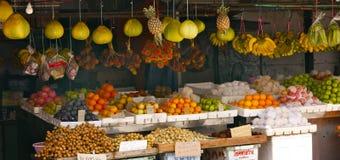 Nya frukter shoppar Royaltyfri Fotografi