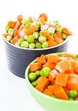 Nya fryste blandade grönsaker Royaltyfri Bild