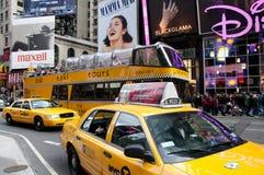 nya fyrkantiga tider york för cabsstad Royaltyfria Foton