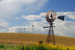 nya gammala windmills Arkivbilder