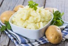 Nya gjorda mosade potatisar arkivfoton