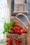 Nya grönsaker och dag av våren Arkivbild