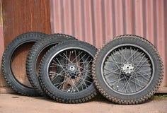 Nya gummihjul av speedwaymopeder Royaltyfri Fotografi