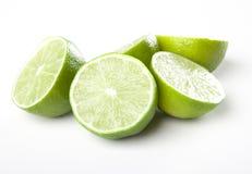 Nya halfs av limefrukt Arkivfoto