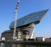 Nya hamnkontor i porten av Antwerp i Belgien Royaltyfria Foton