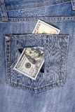 Nya hundra dollarräkningar för USA satte in i cirkulation i Oktober 20 Fotografering för Bildbyråer