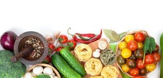 Nya ingredienser för att laga mat Arkivbild