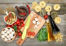 Nya ingredienser för att laga mat Royaltyfria Foton