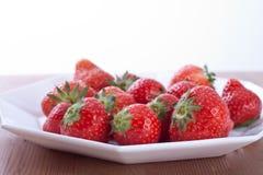 nya jordgubbar Fotografering för Bildbyråer
