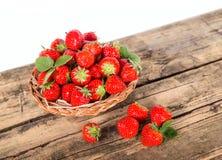 Nya jordgubbar Arkivbilder