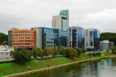 Nya kontor och hus för Vilnius centrum Royaltyfria Bilder