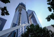 Nya kontorskvarter som ses på platsen av ground zero, New York Royaltyfri Foto