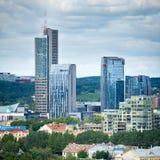 Nya moderna skyskrapor i Vilnius Royaltyfria Bilder