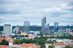 Nya moderna skyskrapor i Vilnius Royaltyfri Fotografi