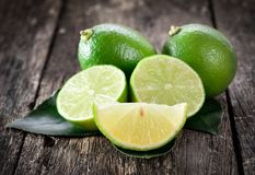Nya mogna limefrukter Royaltyfria Foton
