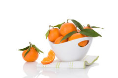 Nya mogna mandarines på vit Arkivbild