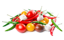 Nya mogna röda, gula svarta körsbärsröda tomater Arkivbild
