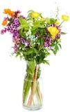 Nya naturliga blommor för sommar i den glass vasen Royaltyfria Bilder