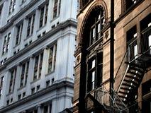 Nya och gamla New York byggnader Royaltyfri Foto