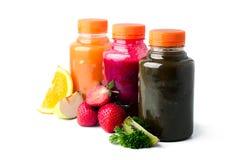 Nya och sunda fruktgrönsakfruktsafter Arkivfoto