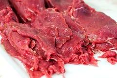 Nya okokta skivor av nötköttbiff Royaltyfri Bild