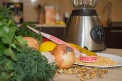 Nya organiska grönsaker på tabellen Royaltyfri Fotografi