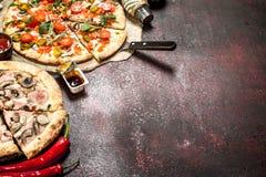 Nya pizza med grönsaker Royaltyfria Foton