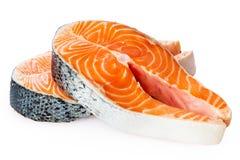 Nya rå Salmon Red Fish Steak som isoleras på en vit bakgrund Royaltyfri Fotografi