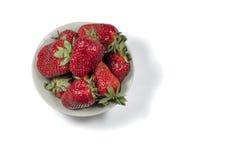 nya röda jordgubbar Arkivfoton
