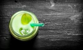 Nya smoothies för druva Fotografering för Bildbyråer