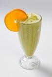 Nya sunda kalla smoothies på vit bakgrund Royaltyfri Bild