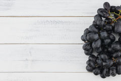 Nya svart druvor Fotografering för Bildbyråer