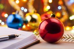 Nya tillträden Bråklista till det nya året Lista av shopping för det nya året Royaltyfri Fotografi