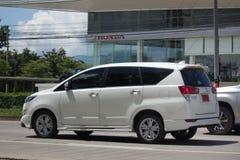 Nya Toyota Innova Crysta arkivbilder