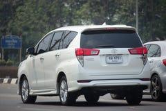 Nya Toyota Innova Crysta fotografering för bildbyråer