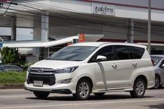 Nya Toyota Innova Crysta arkivbild