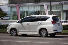 Nya Toyota Innova Crysta royaltyfri foto