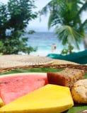 Nya tropiska frukter på en tabell, Royaltyfri Fotografi