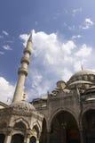 Nya Valide Sultan Mosque på en solig dag Royaltyfria Bilder