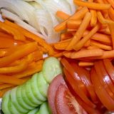 Nya veggies för snacking eller sallader Arkivbild