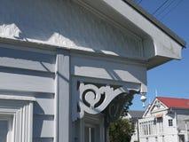 Nya Zeeland: klassisk detalj för eave för Auckland villahem royaltyfria bilder