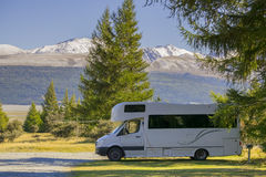 NYA ZEELAND 16TH APRIL 2014; Husvagn på campingplatser södra ö, Nya Zeeland Arkivfoto