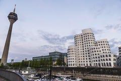 Nya Zollhof byggnader i massmedia härbärgerar i Dusseldorf, Tyskland Royaltyfri Fotografi