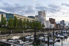 Nya Zollhof byggnader i massmedia härbärgerar i Dusseldorf, Tyskland Fotografering för Bildbyråer