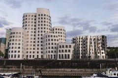 Nya Zollhof byggnader i massmedia härbärgerar i Dusseldorf, Tyskland Arkivfoton