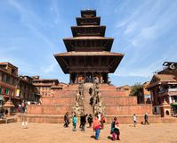 Nyatapola pagod på den Taumadhi fyrkanten i Bhaktapur Royaltyfria Bilder