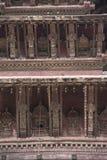 Nyatpola寺庙建筑细节在Bhaktapur Durbar广场,尼泊尔 免版税库存图片