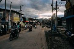 Nyaungshwe miasteczko przy półmrokiem blisko Inle jeziora Zdjęcie Royalty Free