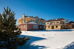 Nybyggda förorts- hus Royaltyfri Foto